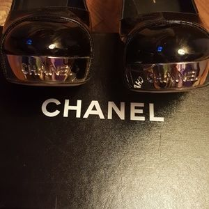 CHANEL Shoes - CHANEL black paten leather pumps